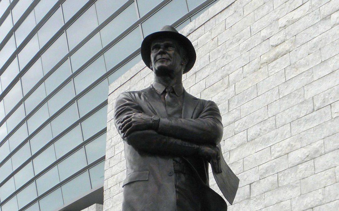 Tom Landry Statue